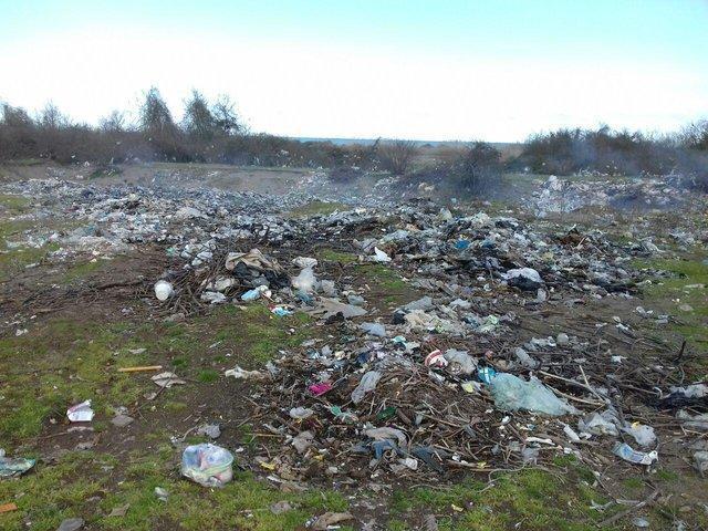 زباله در مهاباد اردستان جمع نمی گردد!