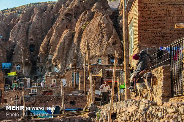 روستای تاریخی کندوان پذیرای 35 هزار گردشگر نوروزی